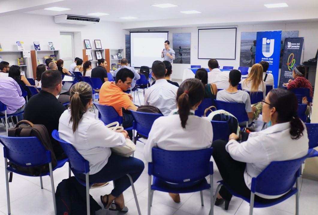 UNIAJC en fase de descubrimiento de negocios digitales con MINTIC