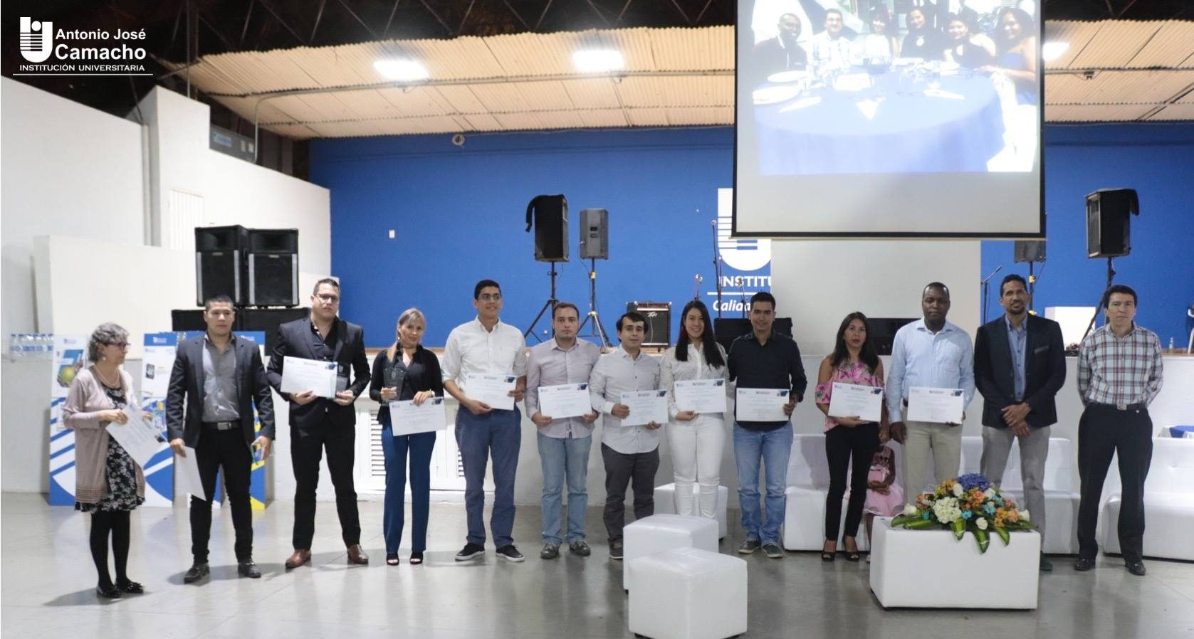"""XV encuentro de egresados """"Con Espíritu de Emprendedores"""""""