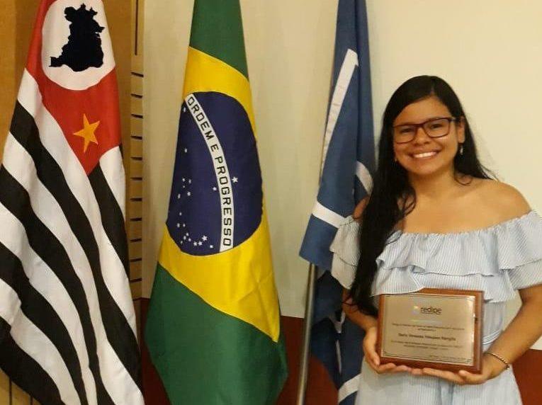 La UNIAJC apoyando a los jóvenes investigadores